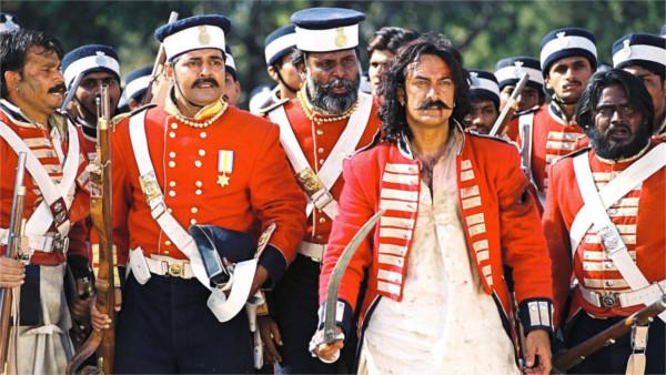 Les cipayes révolté menés par Mangal Pandey (c) Yash Raj Films