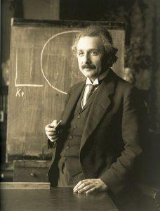 Einstein en 1921 par F. Schmutzer