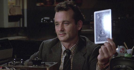Le personnage de Bill Murray faisant une expérience de parapsychologie